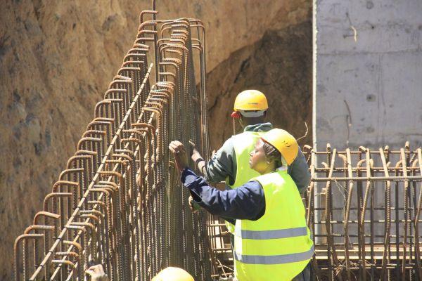 women-in-construction-industryCE43A3D8-D5C5-3BE3-D4AE-80E1694B2784.jpg